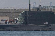El submarino nuclear HMS Ambush,  La Marina Real Británica está entrenando a la tripulación de sus siete submarinos de ataque para enviarlos bajo los hielos del Ártico,