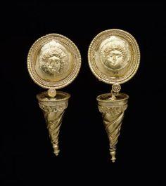 Pair of ear pendants | Dallas Museum of Art Pair of ear pendants  DATE early 3rd century BC DEPARTMENT Ancient Mediterranean DIMENSIONS Height: 1 13/32 in. (3.571 cm.) MEDIUM Gold