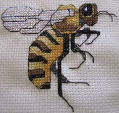 bee counted cross-stitch free pattern Biene, Kreuzstich, kostenlose Anleitung