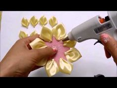 Rosa de fita  Rose Ribbon - YouTube