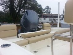 Image from http://imt.boatwizard.com/images/1/29/29/4902929_0_311219691600_3.jpg.