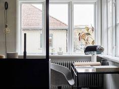 Post: Combinando texturas para una decoración nórdica elegante --> blog decoración nórdica, cemento madera deco, Combinando texturas decoración, decoración blanco y negro, decoracion monocroma, decoración nórdica elegante, estilo nórdico escandinavo, lanas algodón chenillas textiles decoración, literas decoración