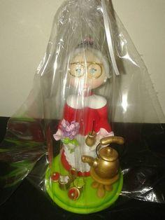 Central abuela en porcelana fria. Pedidos 4631-0413 / 153-025-3160