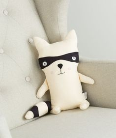 Your little will always have the attention of this adorable plush raccoon. He easily sits up straight because of the bottom-weighted plush body. He'll last for years too, because our fabric artists created him out of soft but tough cotton canvas that can take every toss, tumble and car trip with ease. He also features moveable tail and legs and an attached fabric mask for mysterious adventures. Available only online at Hallmark Baby for a limited time!