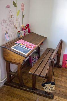 School Tables, Old School House, Kidsroom, New Room, Drafting Desk, Girls Bedroom, Childhood Memories, Playroom, Sweet Home