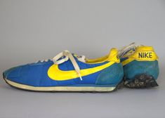 70s Nike Waffle Trainer Running Shoes Made in Japan Royal Blue and Gold Mens 11.5  These Waffle Trainers are in good vintage condition, shows