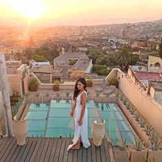 Should you stay in a Moroccan riad or in a hotel? If you are wondering where to stay in Fes, this post will help you decide. Based on my personal experience Morocco, My Photos, Australia, Photo And Video, Fes, Outdoor Decor, Travelling, Bucket, Marvel