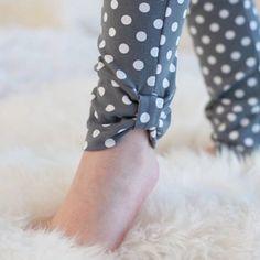 Georgeous Sew an Easy Fabric Purse for Kids Ideas. Exhilarating Sew an Easy Fabric Purse for Kids Ideas. Kurti Sleeves Design, Kurta Neck Design, Sleeves Designs For Dresses, Dress Neck Designs, Stylish Dress Designs, Salwar Pants, Modele Hijab, Stylish Dresses For Girls, Kurti Designs Party Wear