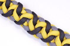 "Make the ""Snaggletooth"" Paracord Survival Bracelet - BoredParacord"