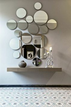 Modern Mirror Design for Living Room. Modern Mirror Design for Living Room. 15 Fascinating and Exceptional Modern Mirror Designs Decor, Mirror Wall Decor, Living Room Decor, Mirror Design Wall, Entryway Decor, Home Decor, Mirror Designs, House Interior, Wall Design