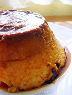 Ok recipe's in Spanish but it looks so delicious AND the ingredients & prep are easy. Willing to translate if there's demand :) >> Traditional flan recipe (Spain) / Flan de huevo casero #food #desserts