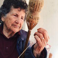 spinning flax in Monchique - fiar o linho em Monchique