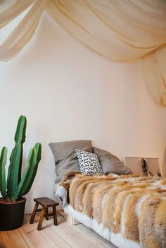 18 Ways To Upgrade Your Apartment Without Pissing Off Your Landlord