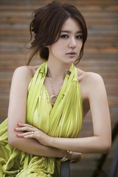 Korean actress Yoon Eun Hye 윤은혜