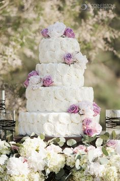 Flowers + cake = a deliciously beautiful combination!