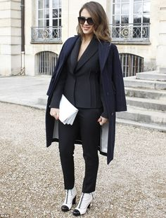 Jessica Alba. Paris Fashion Week 2014.