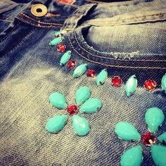 jeans pedras