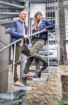Outfit der Woche! Anna: Cargopants & Strickmütze mit Fellbommel: Marc Aurel – Karohemd & Daunenjacke: Hilfiger Denim // Wadim: Coloured Denim & T-Shirt mit Musterprint: Scotch & Soda – Sweatjacke: Hilfiger Denim – Daunenjacke mit Neopren-Details: Colmar #ootw #fashion