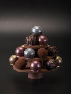 Árbol de trufas / Truffles Christmas tree Catálogo Navidad 2014-15 Imatge de Joan Cabacés