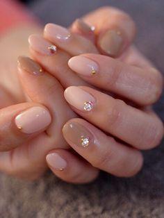 ☆ピンクベージュ×ベージュ☆ の画像 パリのネイルサロン Bijoux nails Paris
