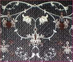 Motif batik Alasalasan latar irengan warna hitam merupakan suatu