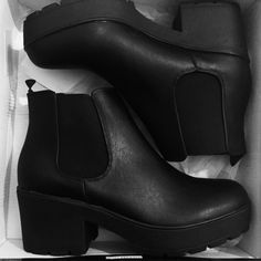 Aria ankle boots from Public Desire // Grunge