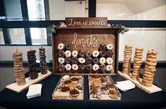 Dessert Bar Wedding, Wedding Donuts, Wedding Desserts, Wedding Reception Decorations, Dessert Bars, Dessert Table, Wedding Food Tables, Cake Table, Wedding Decor