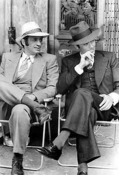 Jean Paul Belmondo et Alain Delon. On set of BORSOLINO, This is the film that drew me into watching French Cinema. Alain Delon, Anthony Delon, Photo Star, Do Men, Actrices Hollywood, Famous Couples, Sharp Dressed Man, Cthulhu, Famous Faces