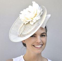 Wedding Hat, Kate Middleton Hat, Kentucky Derby Hat, Bridal Headpiece, Royal Hat, Wedding Fascinator Derby Fascinator Saucer Hat Duchess Hat Wedding Fascinators, Wedding Hats, Bridal Headpieces, Kate Middleton Hats, Royal Ascot Hats, Kentucky Derby Hats, Fascinator Hats, Duchess Of Cambridge, Ladies Day