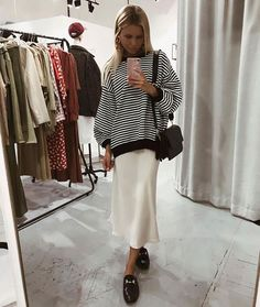 Silk cream slip skirt white look ideas outfit Slip Skirts, A Line Skirts, Midi Skirts, Looks Style, Style Me, Look Fashion, Winter Fashion, Fashion Women, Cheap Fashion