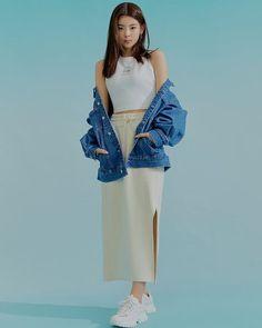 Kpop Fashion, Fashion Outfits, Gianni Versace, Girl Crushes, Kpop Girls, Girl Power, Memes, Girl Group, My Girl
