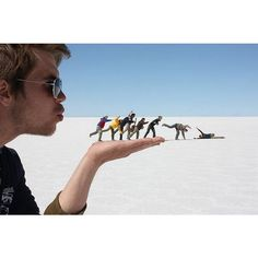 Forced Perspective Photography | Optical illusion - Amazing Cool... ❤ liked on Polyvore