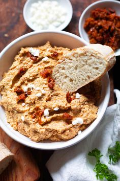 11 quick and easy barbecue side dishes. This simple aubergine feta dip with dried tomatoes is perfect for a BBQ, […] Barbecue Sides, Barbecue Side Dishes, Grilling Sides, Barbecue Recipes, Side Dishes Easy, Bbq, Feta Dip, Pizza Hut, Aubergine Feta