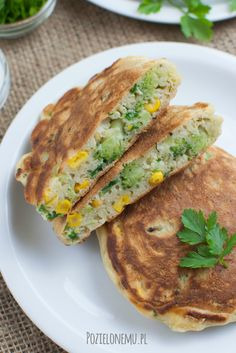 Wytrawne racuchy z brokułem i kukurydzą Sandwiches, Recipes, Food, Diet, Recipies, Essen, Meals, Ripped Recipes, Paninis