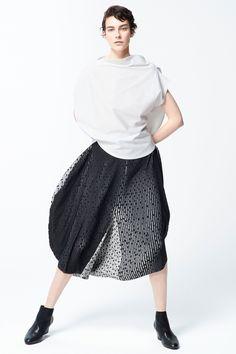 Issey Miyake Pre-Fall 2018 Fashion Show