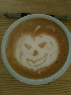Latte - Art Halloween  Powered by www.CorlitoCaffe.de  Barista: Angelo Corlito