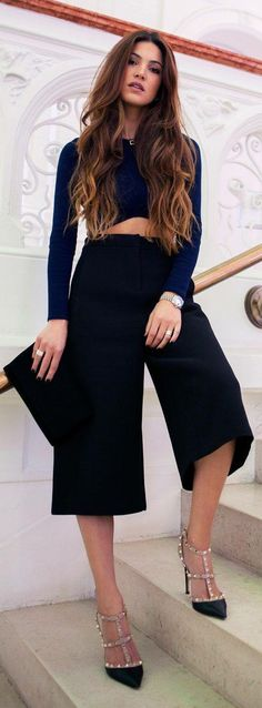 Women's fashion | Navy crop top, stylish black capri, heels, clutch