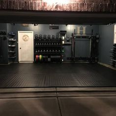 Gyms Clothes Curvy - Gyms Imagenes Motivacion - Gyms Equipment Names - Gyms Outfit White - Gyms Machines List Home Gym Basement, Home Gym Garage, Diy Home Gym, Gym Room At Home, Home Gym Decor, Home Gyms, Garage Shop, Workout Room Home, Workout Rooms