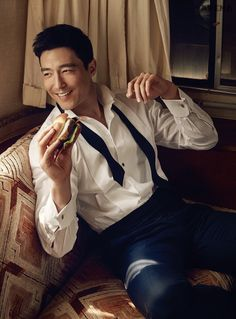 Finally! Arena released the full pictorial they did with Daniel Henney and we couldn't be happier. It seems as if it's all about the burger? We don't care, we just wanna stare at …