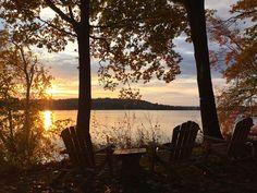 An diesem See und mit diesem warmen Licht lässt es sich doch nochmal besser ausspannen, um wieder Kraft zu tanken für den Alltag!   Copake, New York, USA, Objekt-Nr. 685144vb
