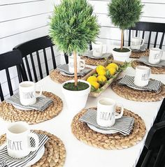 Home Decor 2018 50 Popular Summer Dining Room Design Ideas Dining Room Table Centerpieces, Dining Decor, Decoration Table, Dining Room Design, Kitchen Dining, Dining Table Settings, Farmhouse Table Settings, Summer Table Decorations, Wooden Kitchen