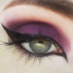 (Magenta-purple w/ copper sparkle) This incredible eyeshadow was a previously limited-edition shade released for Valentine's Day 2011 and was by FAR the favorit