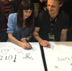 Thanks to our incredible fans and brilliant cast and crew for making Jamie's print shop at #SDCC2017 a success! #Outlander #STARZ
