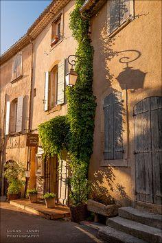 lourmarin, vaucluse, france #travel #europe