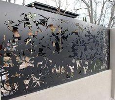 19 Stunning modern gate design ideas - Local Home US - Home Improvement Laser Cut Screens, Laser Cut Panels, Metal Gates, Metal Screen, Metal Fences, Fencing, Front Gates, Entrance Gates, Fence Design