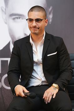 Recording artist Maluma attends a press conference to promote his album 'Pretty Boy Dirty Boy' and his tour in Mexico at Hotel Presidente. Maluma Haircut, Cute Boys Images, Dapper Gentleman, Austin Mahone, Beards, Pretty Boys, Everyday Fashion, Singers, Hair Cuts