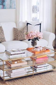 Favorite Coffee Table Books - The Pink Dream. When it comes to fashion books (or coffee table books), I'll admit, I'm a total hoarder! Coffee Table In Bedroom, Coffe Table Books, Coffee Table Styling, Decorating Coffee Tables, Fashion Coffee Table Books, Coffee Table Decorations, Coffee Table Arrangements, Furniture Arrangement, Books Decor