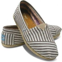 Brown stripe TOMS.  Not a big fan of TOMS but I like these.