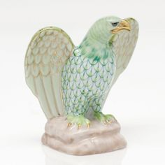"""Herend Hand Painted Porcelain Figurine """"Eagle"""" Key Lime Fishnet Gold Accents."""