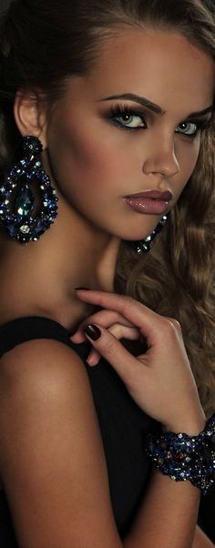 Glamour Girls...Sexy make-up with smoky eyes, photo by Lidiya Homich via 500px...beauty and cosmetics (makeup)